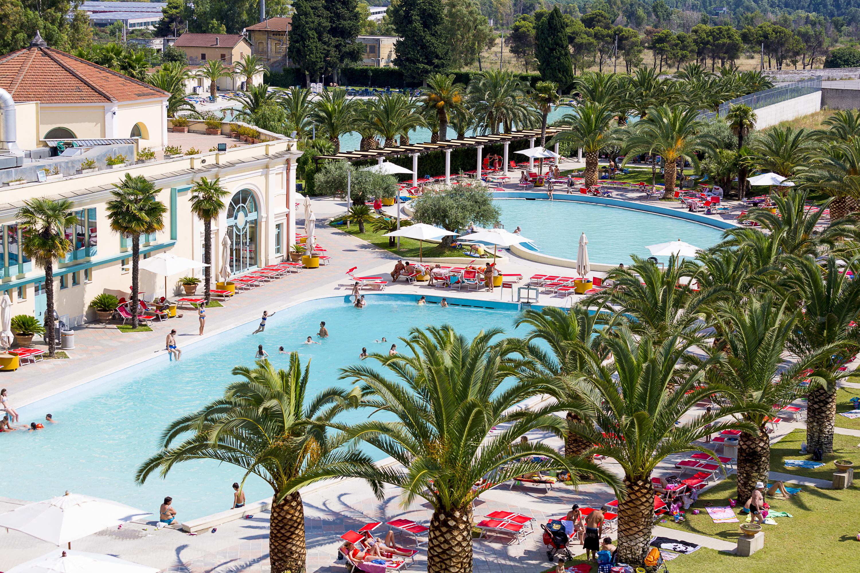 Apertura del parco piscine alle terme di roma visit tivoli - Terme bagni di tivoli orari e prezzi ...