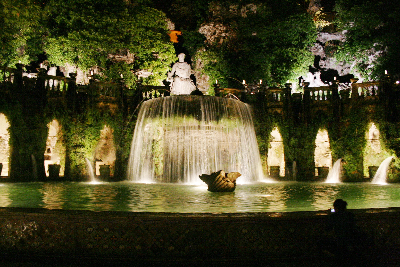 Villa d 39 este di notte visit tivoli for Vajilla villa d este